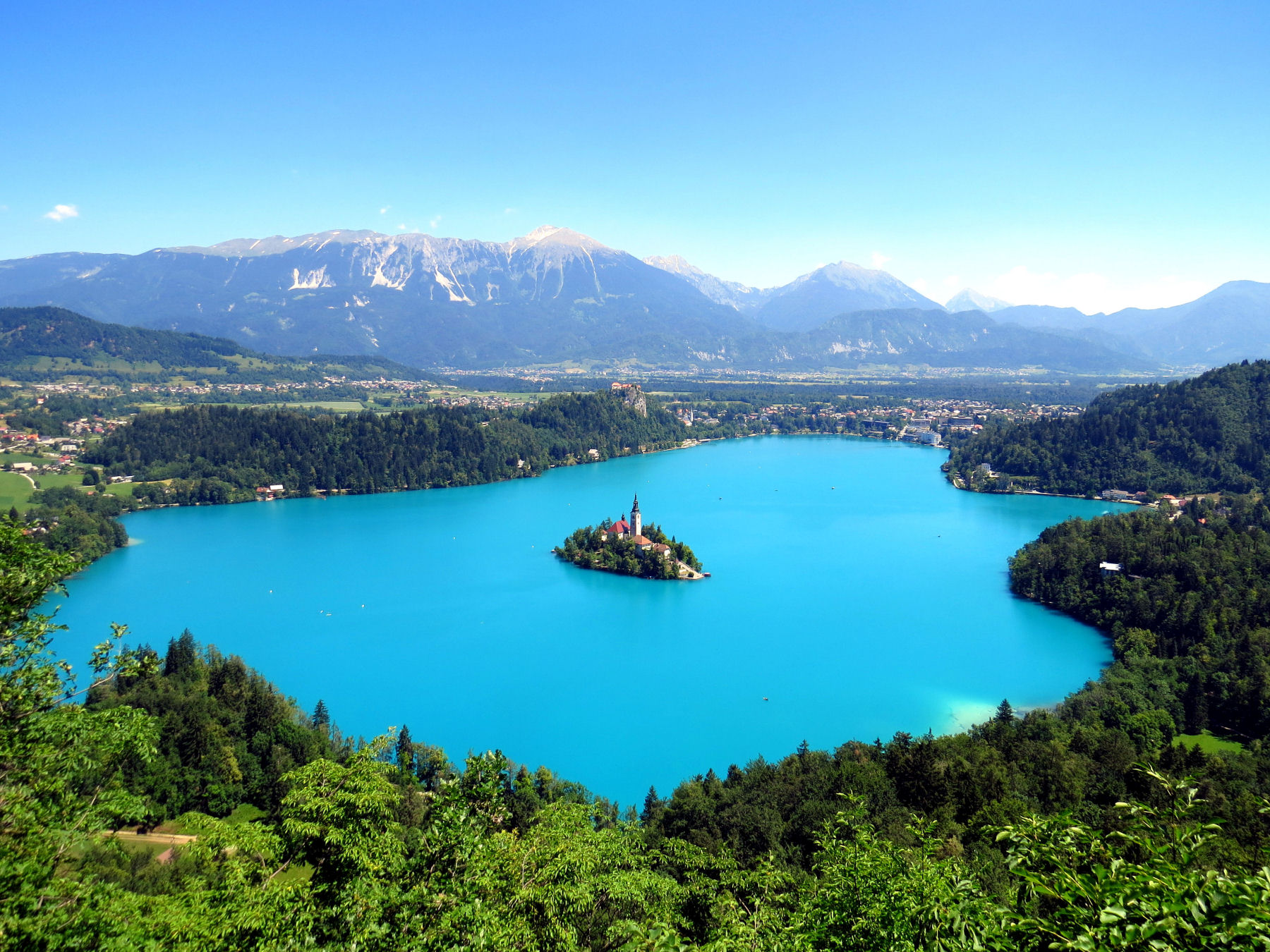 With immense natural beauty, Bled, together with its surroundings, ranks among the most beautiful alpine resorts