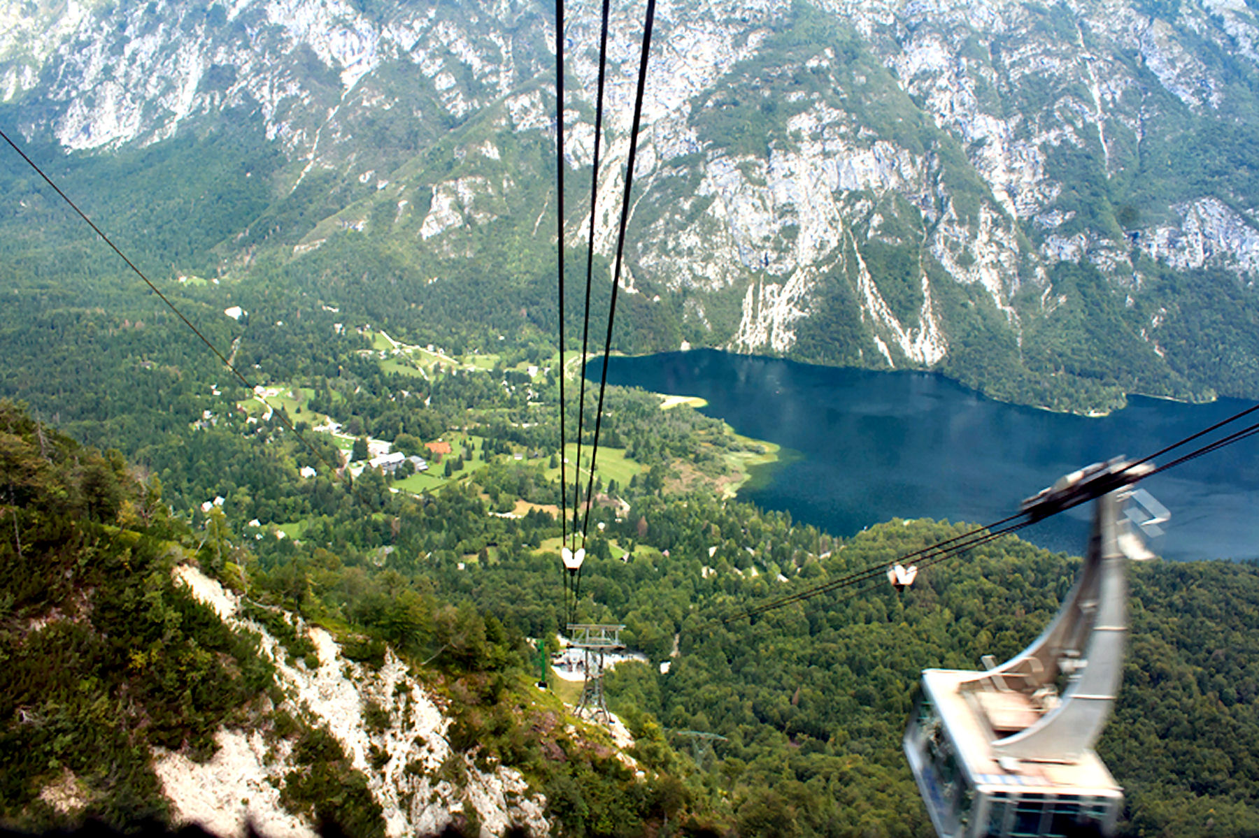 A cable car to Vogel Mountain in Bohinj