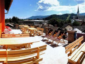 Castle Hostel 1004 Bled