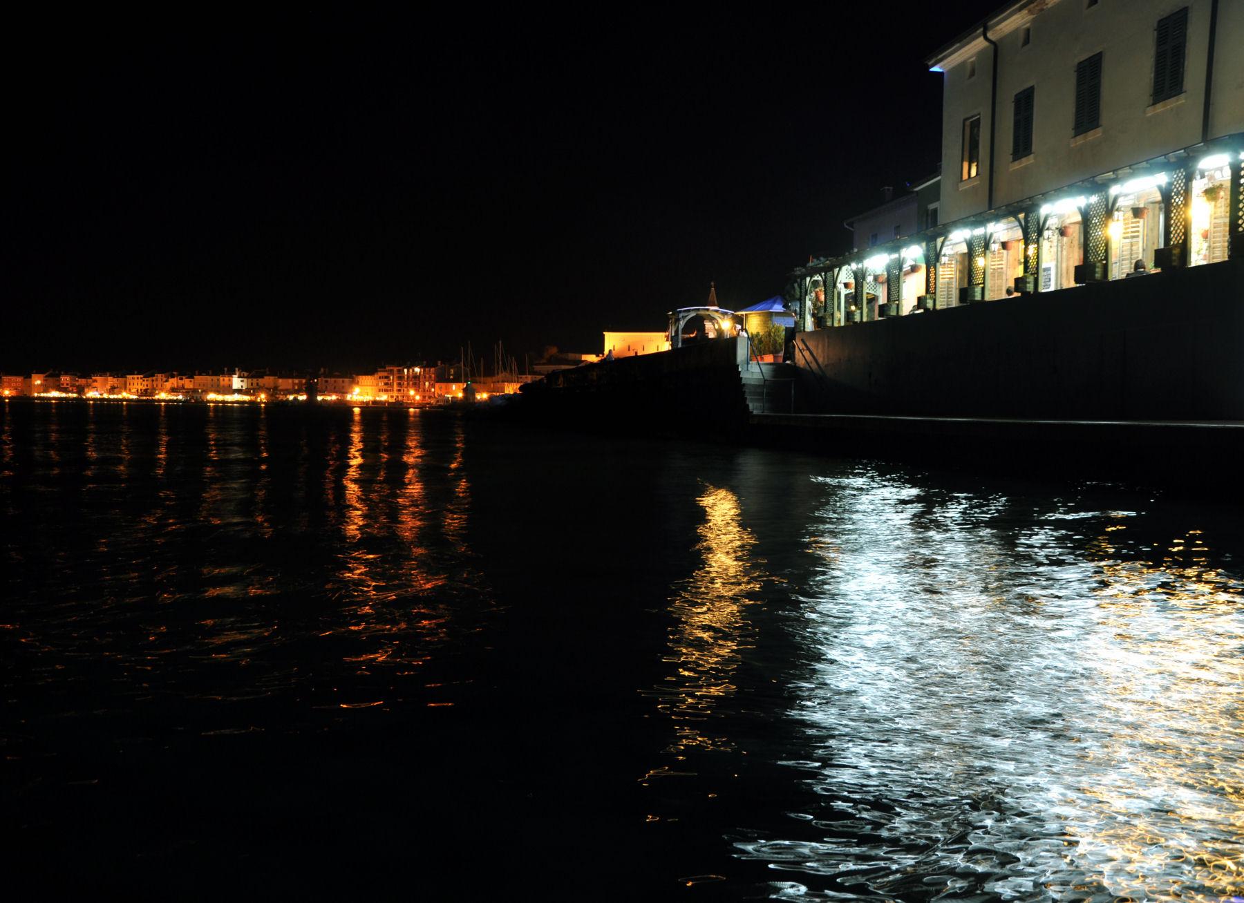 Piran waterfront at night