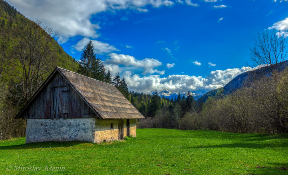 A lonely cottage somewhere in the Triglav National Park, Slovenia