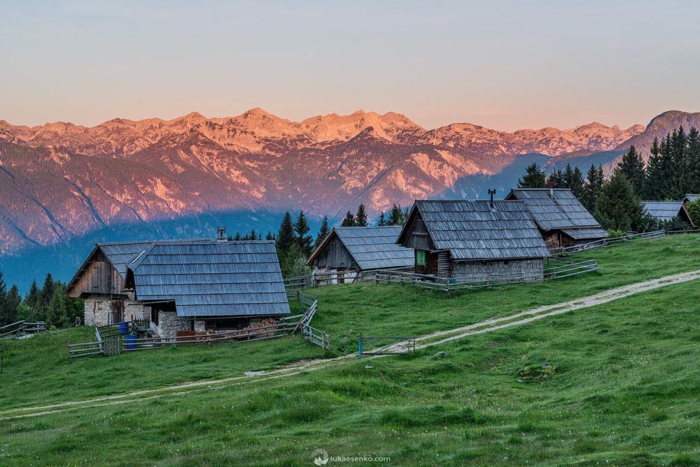Idyllic shepherds' huts on the Zajamniki mountain pasture on the Pokljuka plateau, Slovenia