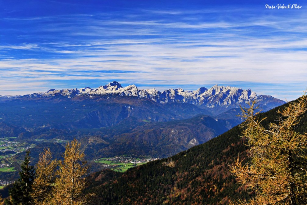 View of the Julian Alps with the Triglav and Rjavina mountains from Roblek in the Karawanks