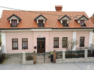 Exterior of Rooms and Apartment Cehovin in Postojna, Slovenia