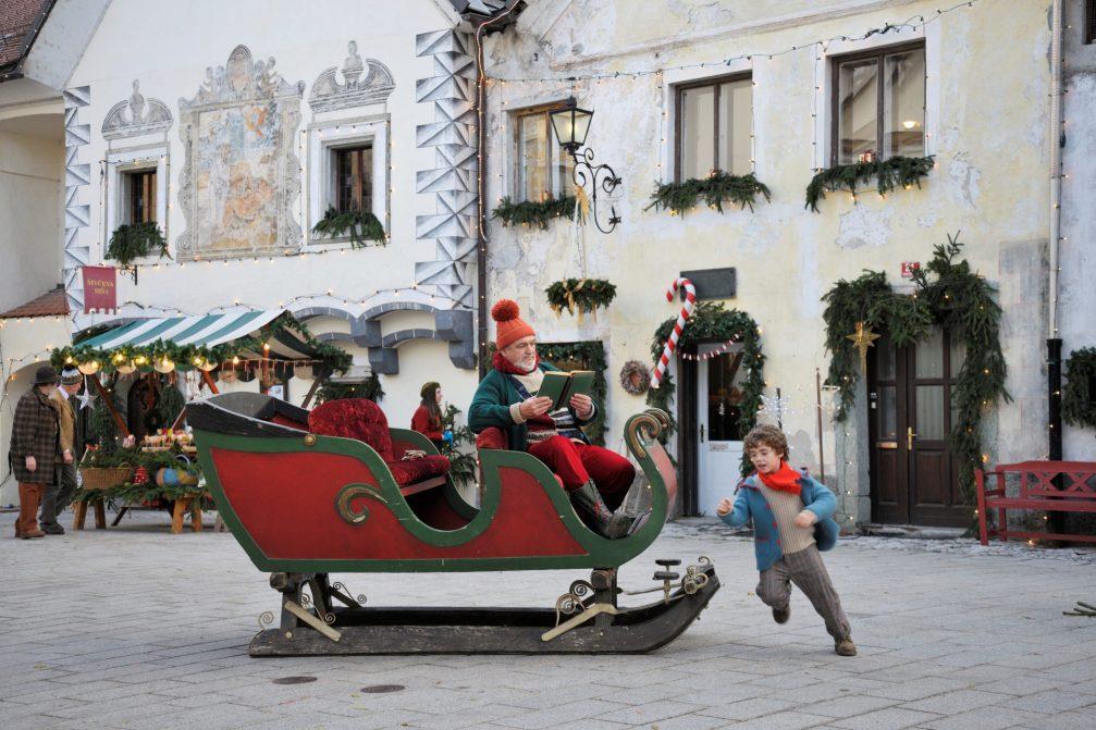 Santa's sleigh in the medieval town of Radovljica
